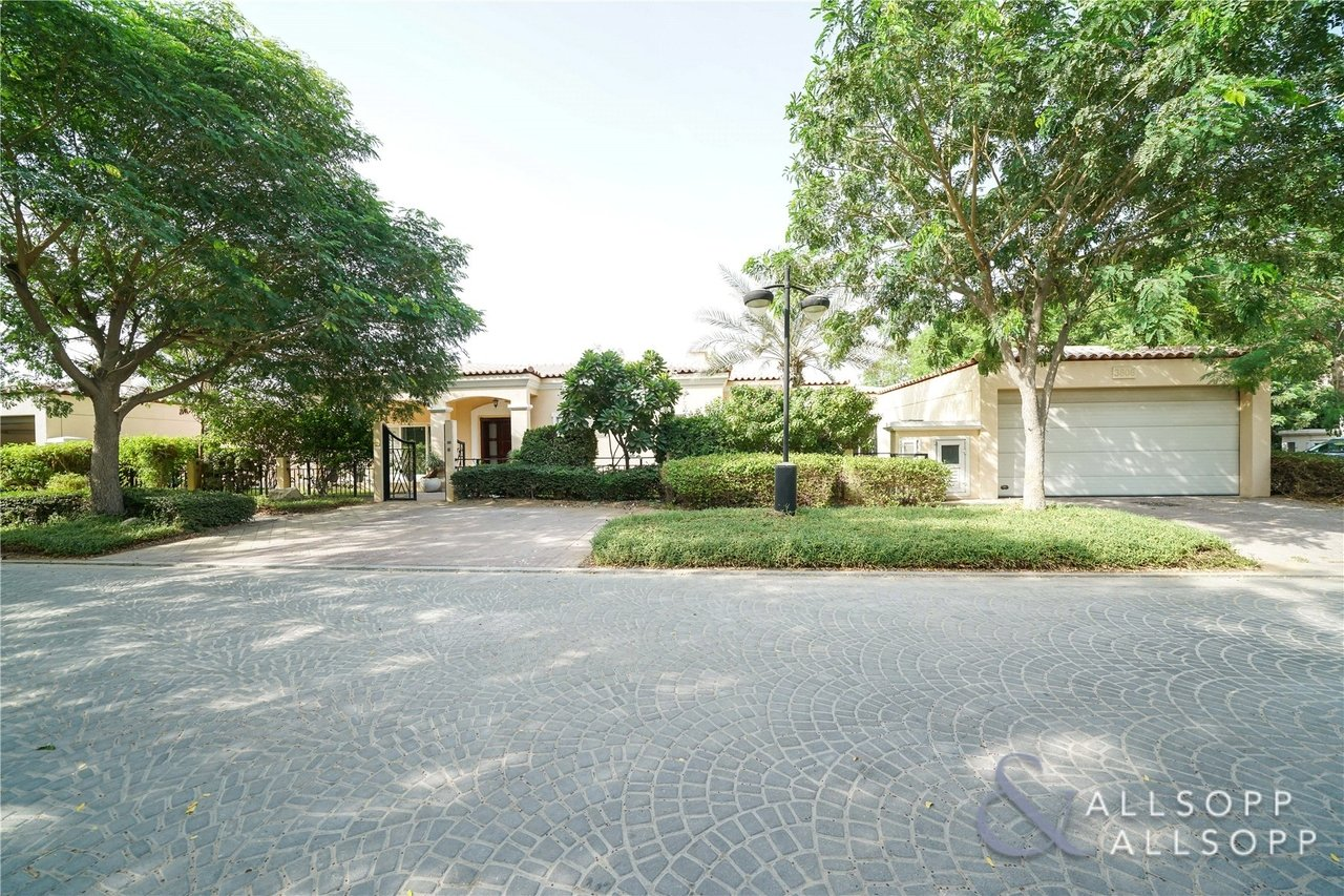 Allsopp and Allsopp Properties with a large plot size in Dubai Jumeirah island Green Community